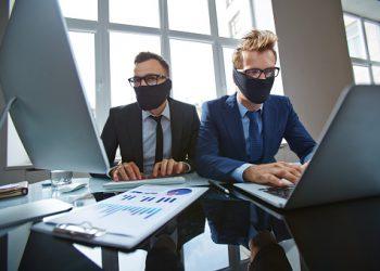 Come riconoscere i profili fake sui siti d'incontro
